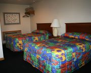 Rooms With 2 Doubles - Pony Island Motel