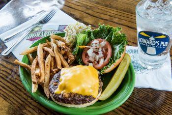 Howard's Pub, Cheeseburger